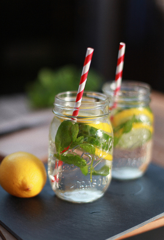 detox water lemon mint cucumber