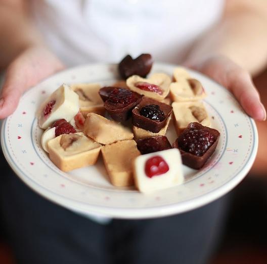 healthy homemade chocolate bites