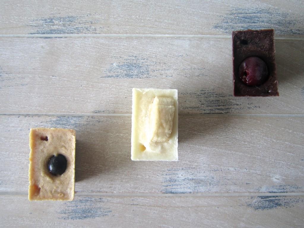 Healthy chocolate frozen bites
