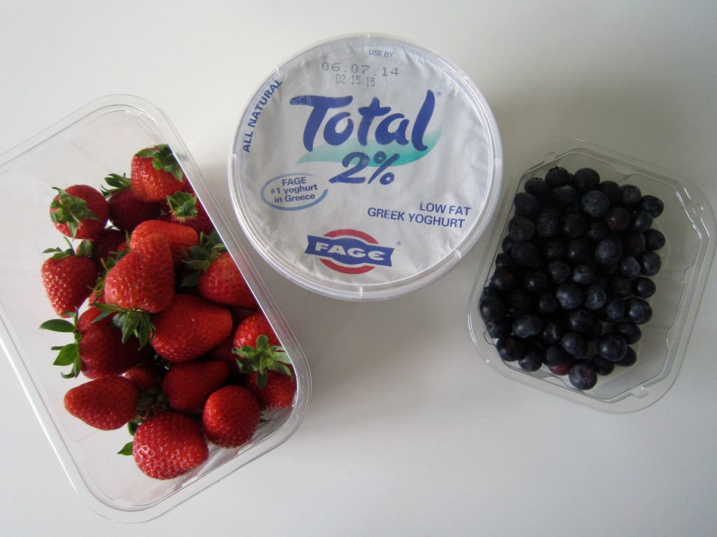 Greek yoghurt ice lollies