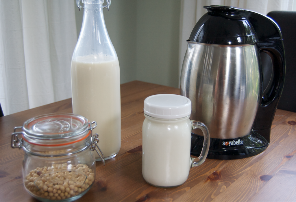 Homemade Almond & Soya Milk