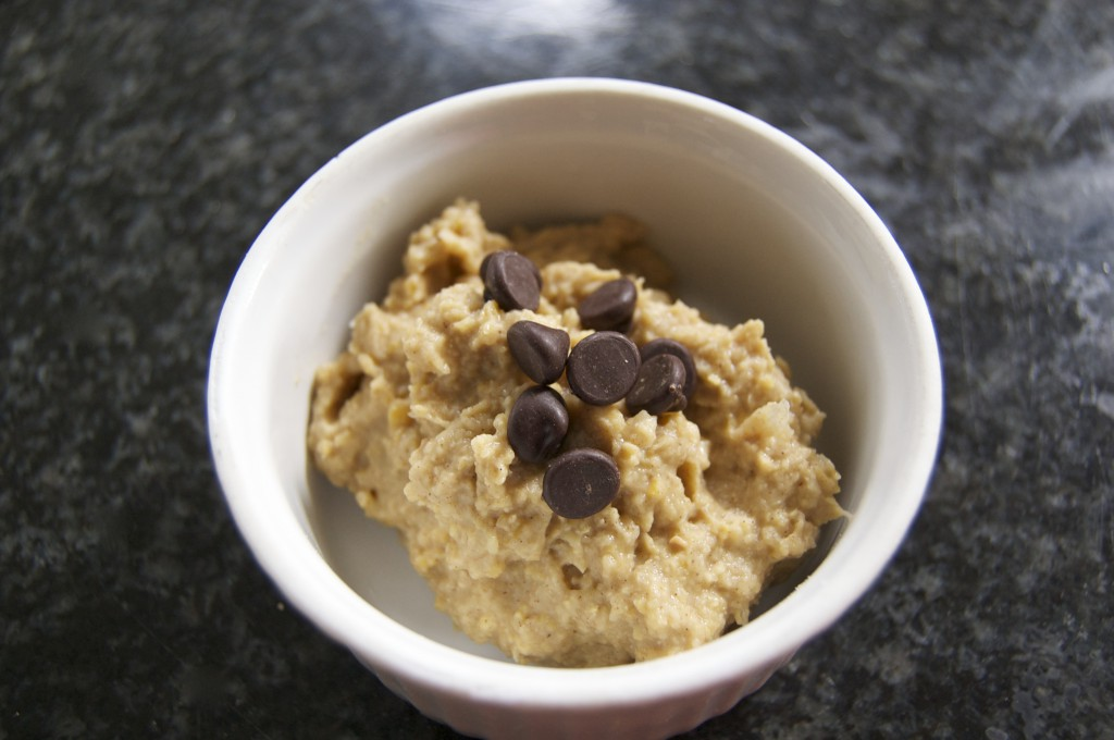 Delicious Chickpea Blondie (healthy!) dip!!