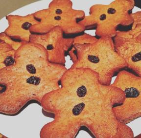 Healthy gingerbread men