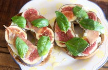Fig & Ricotta Bagel