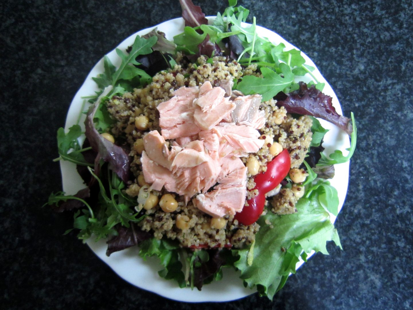 Salmon, Chickpea & Quinoa Salad .. Perfect for Lunch!