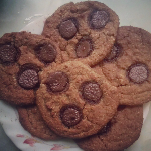 Chickpea Blondie Cookies