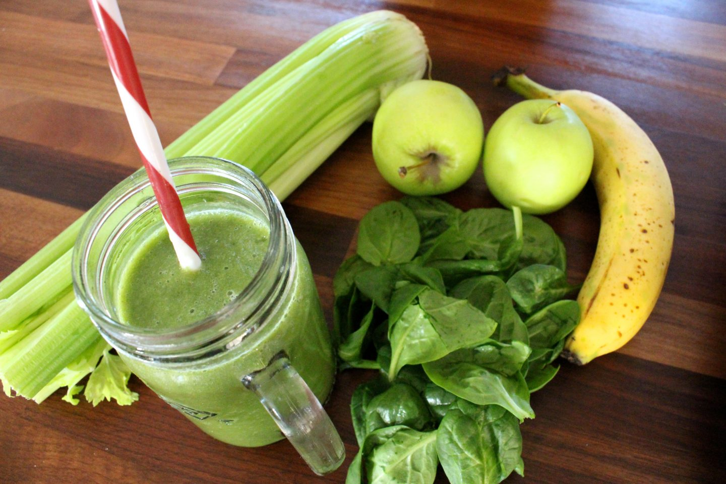 Green Smoothie, Healthy Nutella & the Boss Review