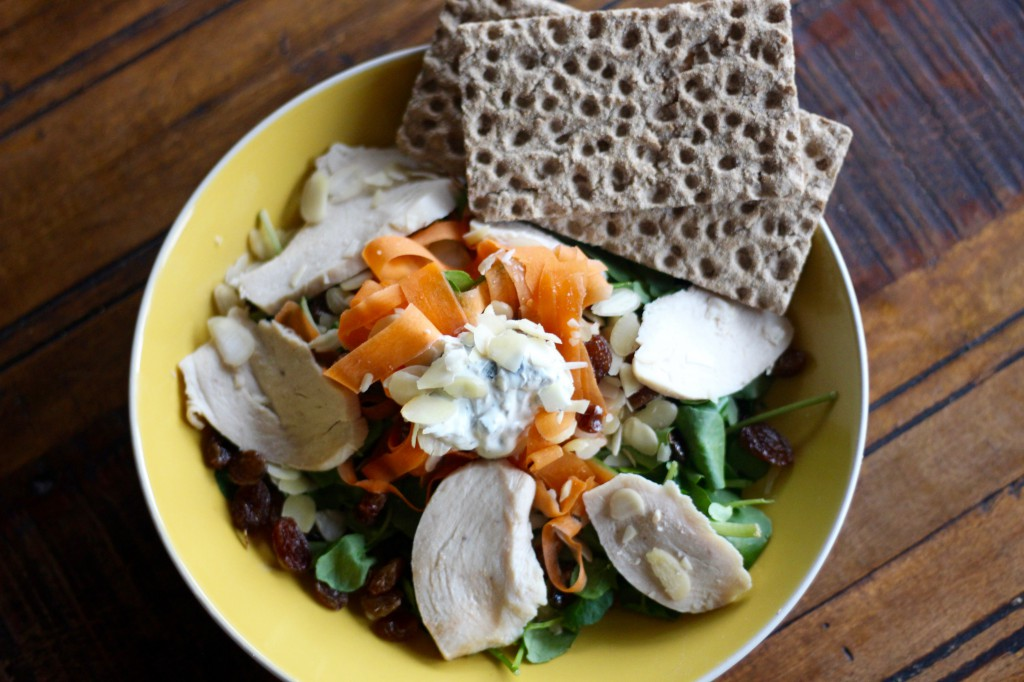 Whole grain crackers with salad